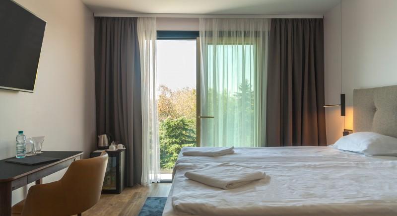 Стандартна Двойна стая - общ изглед и гледка от балкона
