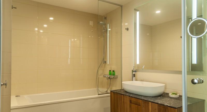 Студио - баня с хидромасажна вана