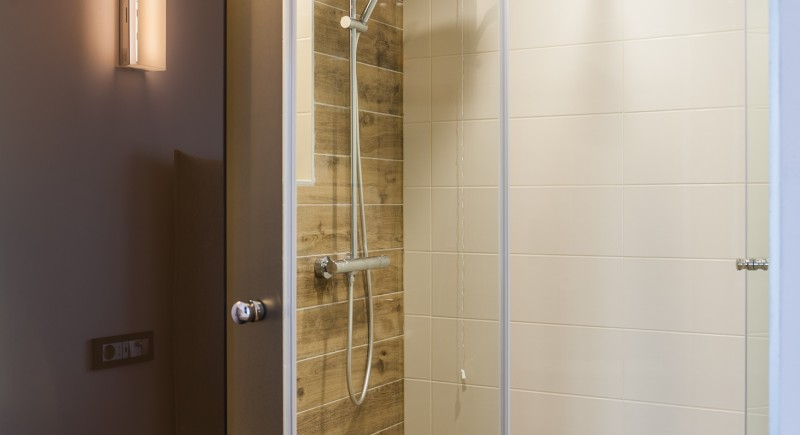 Стандартна двойна стая - баня