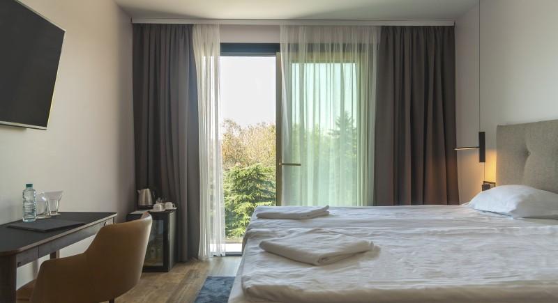Апартамент - стандартна стая, изглед към балкона