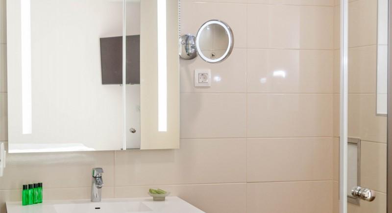Супериорна стая - баня