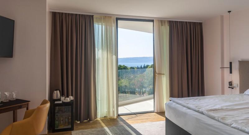 Луксозна двойна стая с тераса и морска гледка